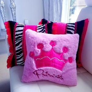 Other - Pink pillows
